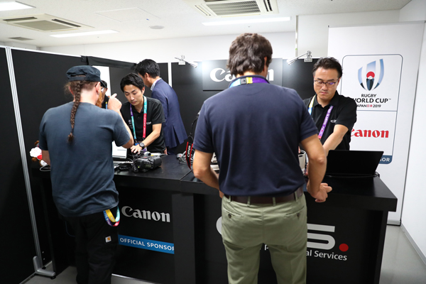 Several photographers visit a camera service booth(Sep. 20 Tokyo)